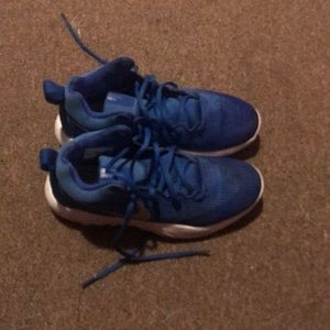 I'm selling some blue nike zooms !